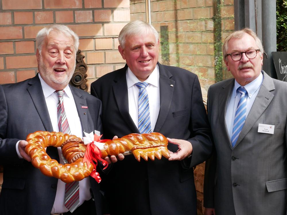 Minister Laumann eröffnet Erste Deutsche Bäckerfachschule